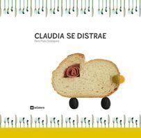 CLAUDIA SE DISTRAE