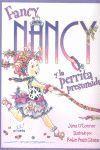 FANCY NANCY Y LA PERRITA PRESUMIDA