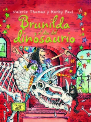BRUJA BRUNILDA Y EL DÍA DEL DINOSAURIO